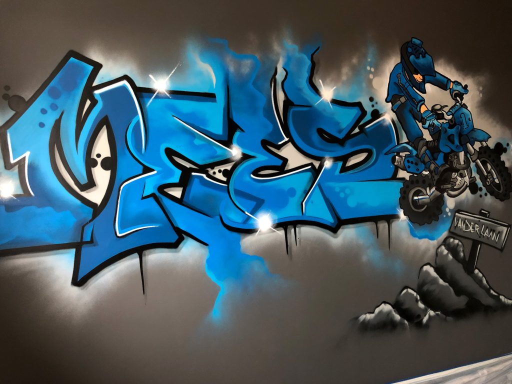 Mees graffiti slaapkamer mountainbike